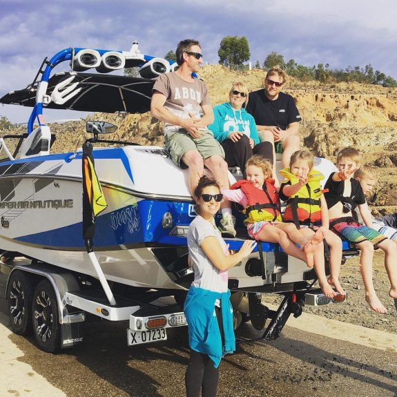 wakeboat-hire-on-lake-eildon-near-melbourne-victoria